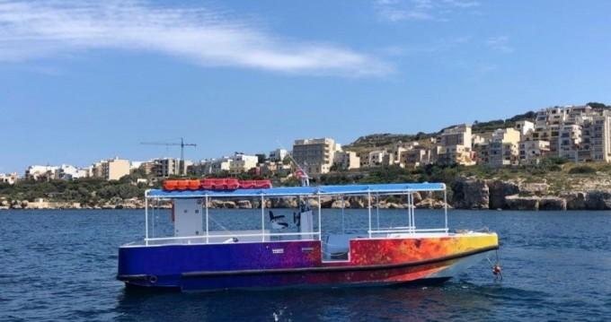 Carvel Motor Ship Iveco Aifo zwischen Privatpersonen und professionellem Anbieter Il-Mellieħa