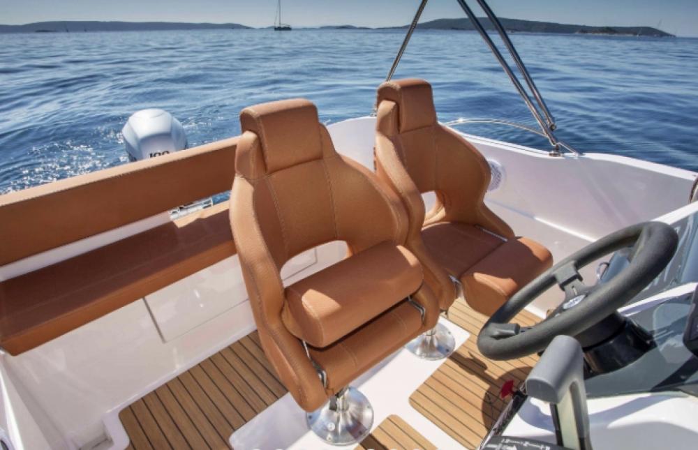 Motorboot mit oder ohne Skipper Okiboats mieten in Krk