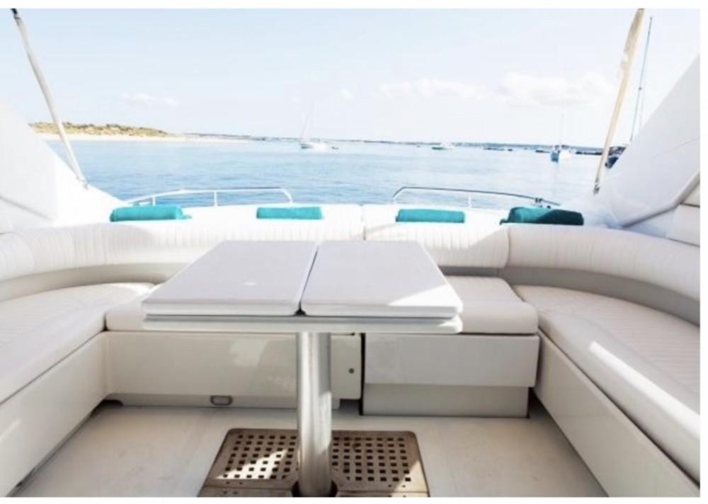 Motorboot mit oder ohne Skipper Pershing mieten in Ibiza