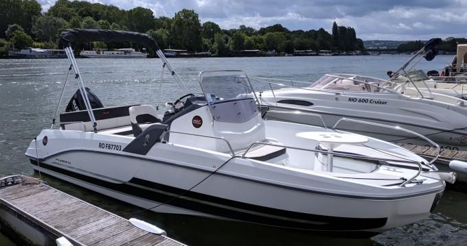 Motorboot mit oder ohne Skipper Bénéteau mieten in Paris