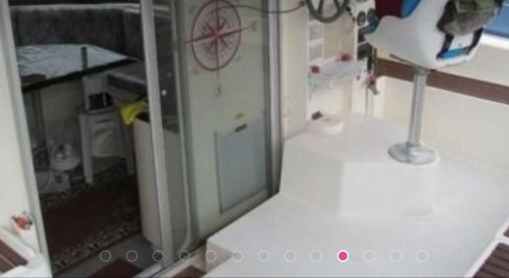 Fountaine Pajot Antigua 37 zwischen Privatpersonen und professionellem Anbieter Premià de Mar