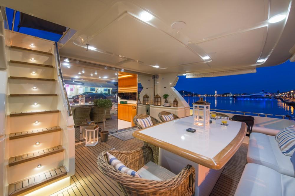 Yachten mit oder ohne Skipper Ferretti mieten in Athen