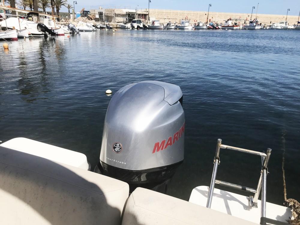 Yacht-Charter in  - Quicksilver Activ 675 Sundeck auf SamBoat