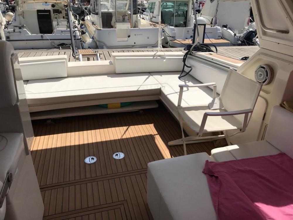 Motorboot mit oder ohne Skipper Fiart mieten in Neapel