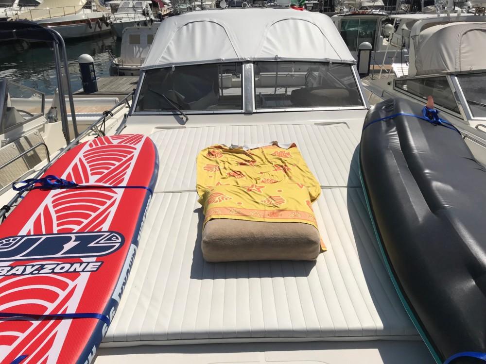 Motorboot mieten in Neapel zum besten Preis