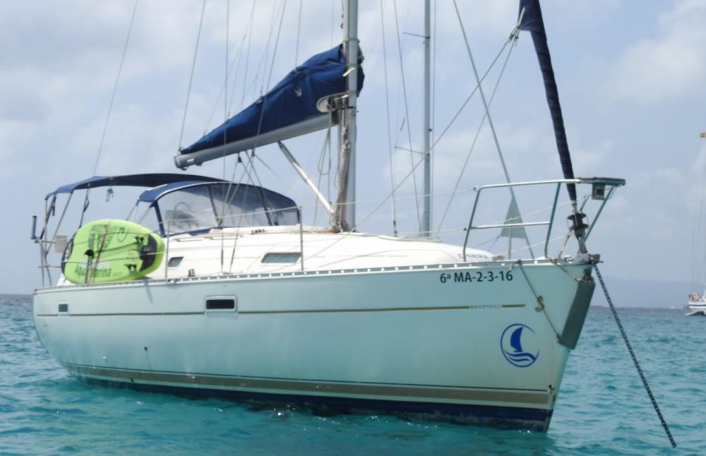 Ein Bénéteau Oceanis 331 Clipper mieten in Marbella