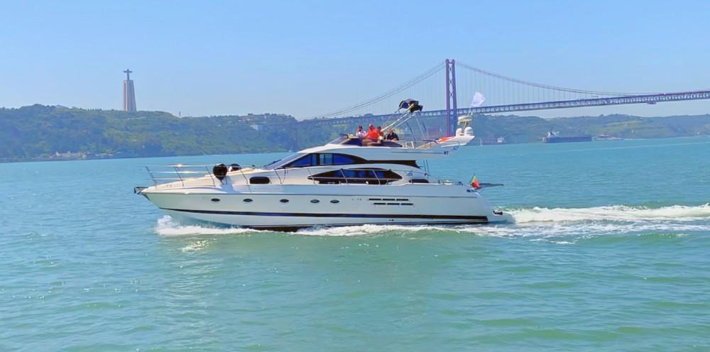 Yachten mit oder ohne Skipper Azimut mieten in Lissabon