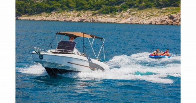 Bootsverleih Bénéteau Flyer 6.6 SUNdeck Makarska Samboat