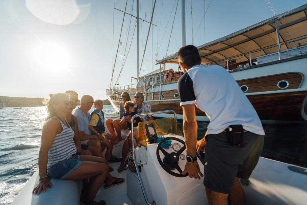 Segelboot mieten in Sardinien zum besten Preis