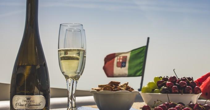 Cranchi Mediterranee 40 zwischen Privatpersonen und professionellem Anbieter Sorrento