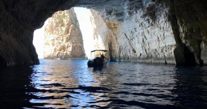 Motorboot mieten in Gáïos - Karel Boat F30ELPT