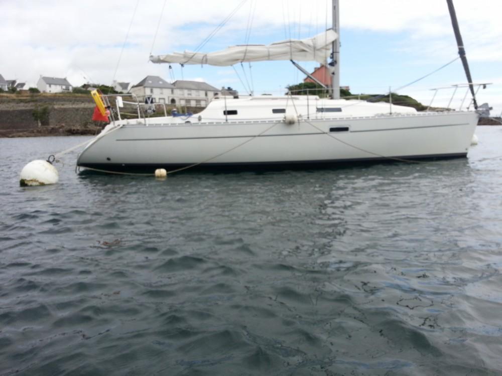 Bénéteau Oceanis 311 DL zwischen Privatpersonen und professionellem Anbieter Lorient