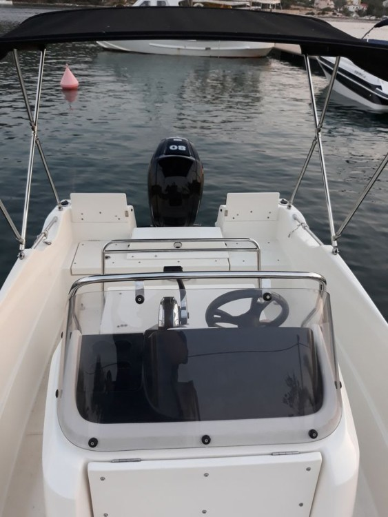 Motorboot mieten in Vinišće zum besten Preis