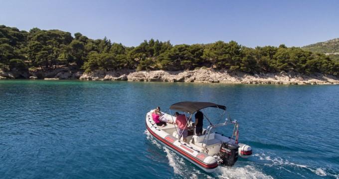 Ein Joker Boat Clubman 21 mieten in Dubrovnik