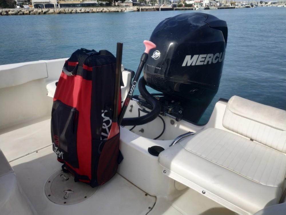 Motorboot mieten in Saint-Laurent-du-Var - Boston Whaler Boston Whaler 19 Outrage