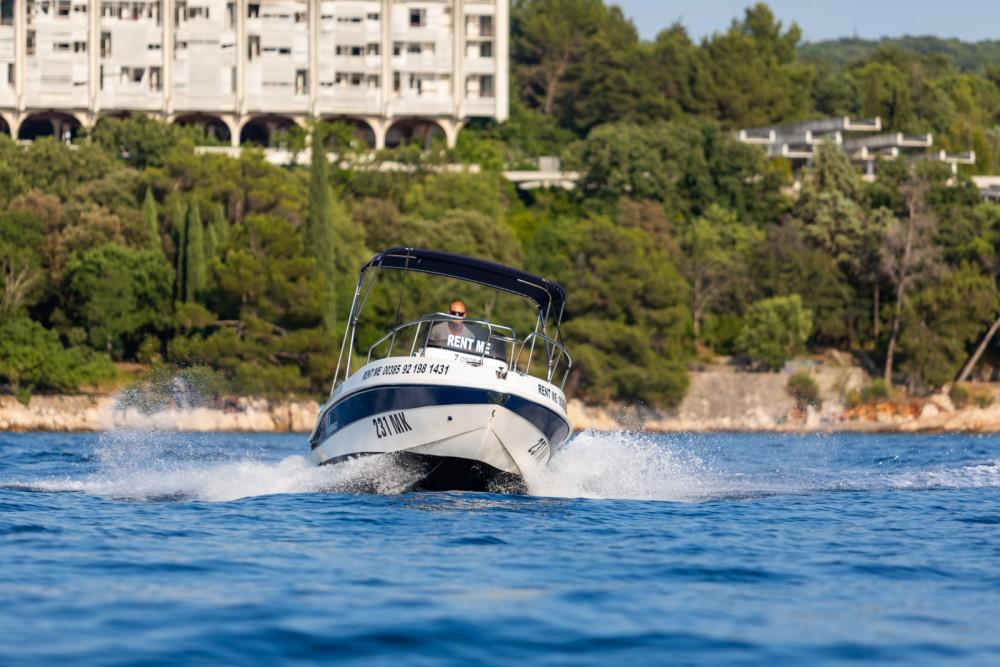 Motorboot mit oder ohne Skipper Blumax mieten in Malinska