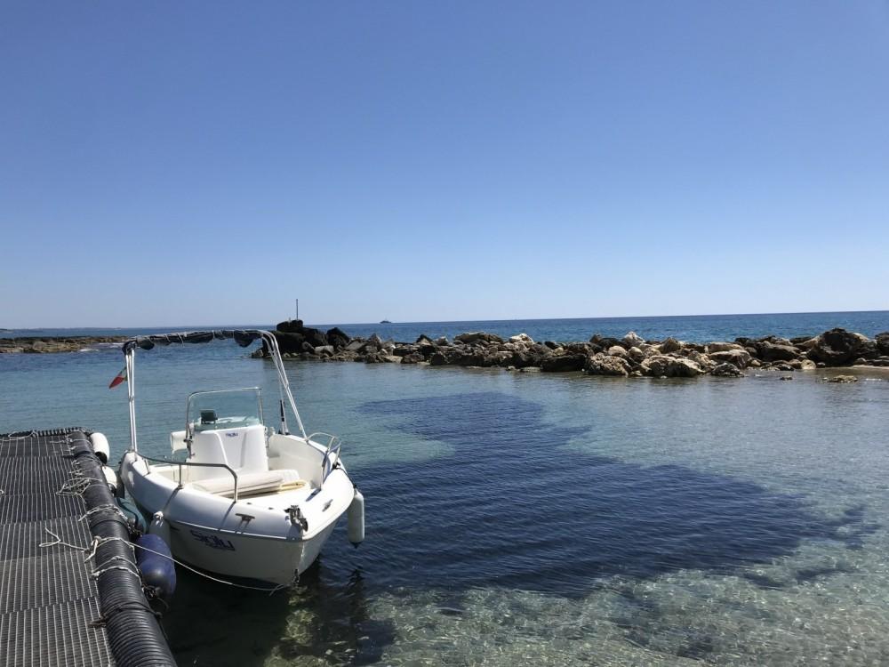 Vermietung Motorboot Aquamar mit Führerschein