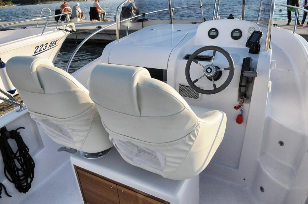 Motorboot mieten in Malinsca zum besten Preis