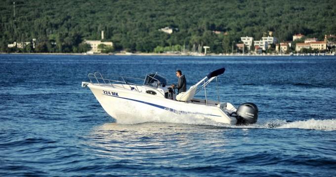 Motorboot mieten in Malinska-Dubašnica - Elan Elan 600 Cabine