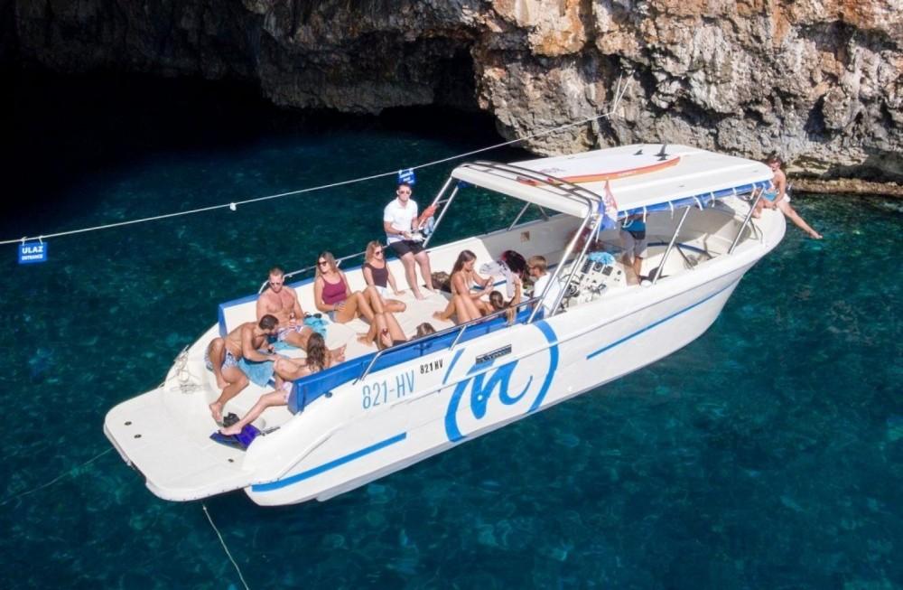 Yacht-Charter in Hvar - Enzo Enzo 35 auf SamBoat