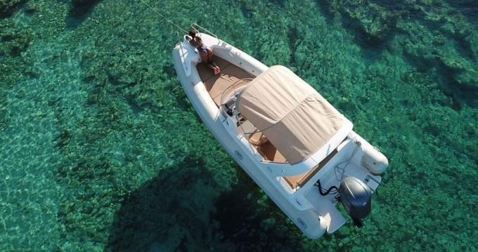 Schlauchboot mieten in Hvar zum besten Preis