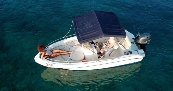 Motorboot mieten in Hvar zum besten Preis