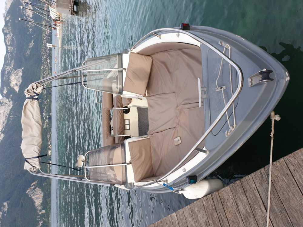 Motorboot mit oder ohne Skipper Ultramar mieten in Aix-les-Bains