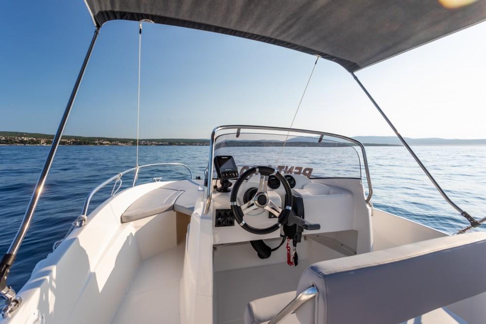 AM Yacht Prince 570 Open zwischen Privatpersonen und professionellem Anbieter Malinska