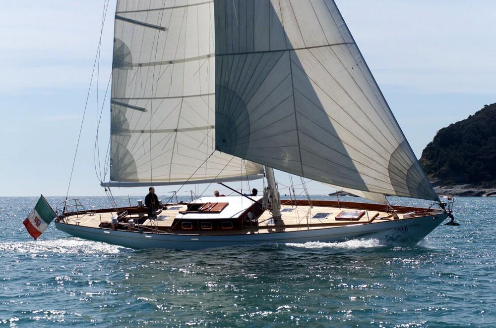 Bootsverleih SLOOP BERMUDIEN CLASSIC LAURENT GILES MONOTYPE N°553 Lorient Samboat