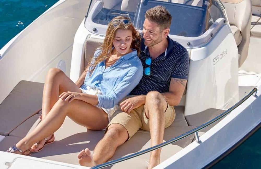 Motorboot mit oder ohne Skipper Quicksilver mieten in Gruissan