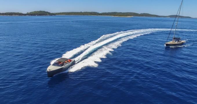 Bootsverleih Axiom Colnago Open Hvar Samboat