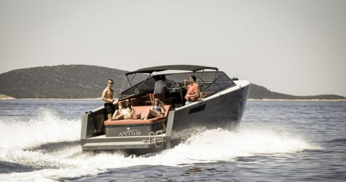 Motorboot mit oder ohne Skipper Axiom mieten in Hvar