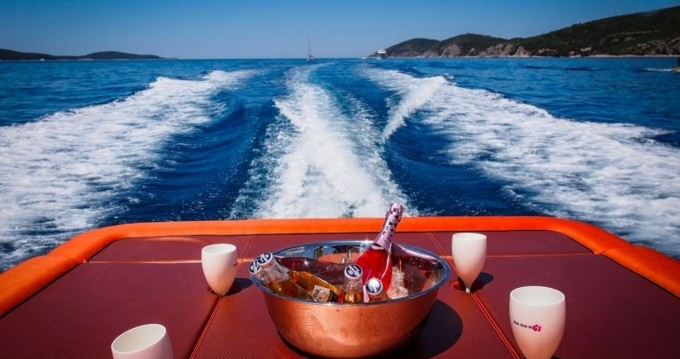Yacht-Charter in Hvar - Axiom Colnago Open auf SamBoat