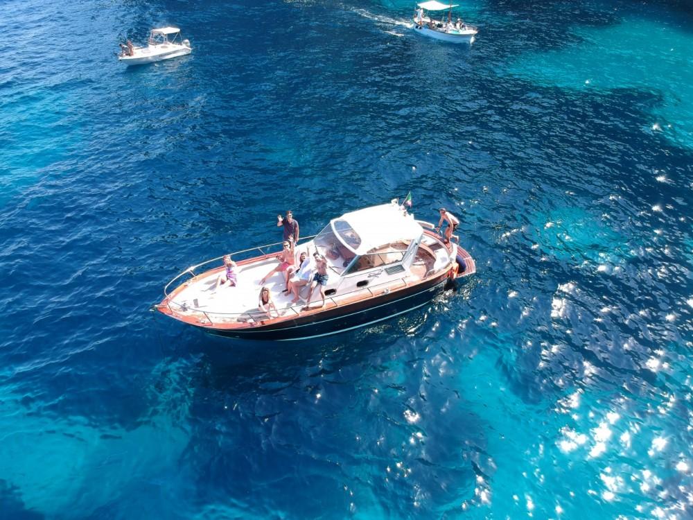 Motorboot mit oder ohne Skipper Apreamare mieten in Positano