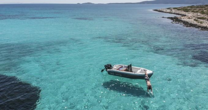 The Sailor's Ride 455 zwischen Privatpersonen und professionellem Anbieter Paros