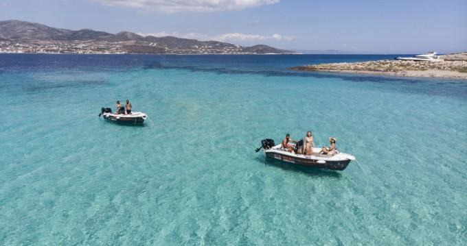 The Sailor's Ride 450 zwischen Privatpersonen und professionellem Anbieter Paros