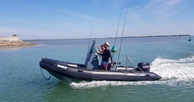 Schlauchboot mieten in La Flotte - Bombard Sunrider 550