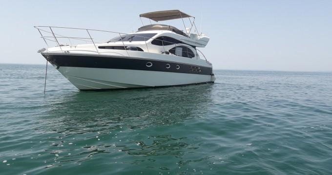 Motorboot mit oder ohne Skipper Azimut mieten in Port Camargue