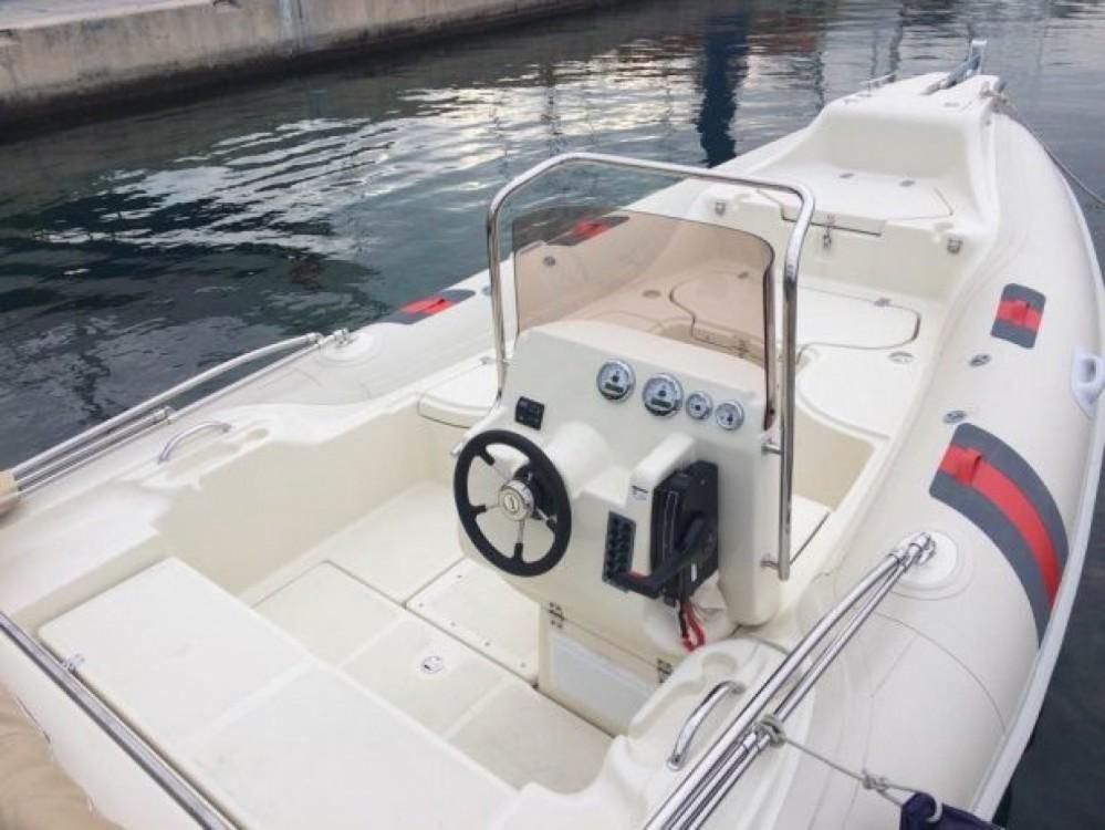 Schlauchboot mit oder ohne Skipper Barracuda mieten in Bol