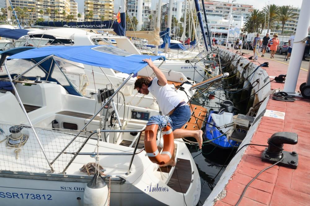 Jeanneau Sun Charm 39 zwischen Privatpersonen und professionellem Anbieter Marbella