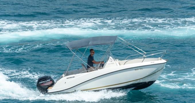 Motorboot mit oder ohne Skipper Quicksilver mieten in Split
