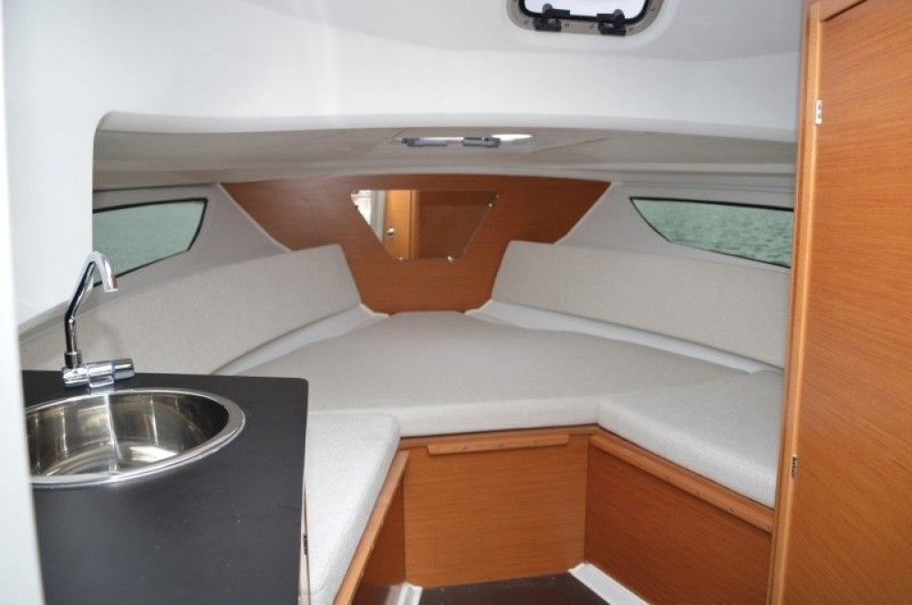 Motorboot mieten in Tribunj - Jeanneau Cap Camarat 7.5 WA Serie 2