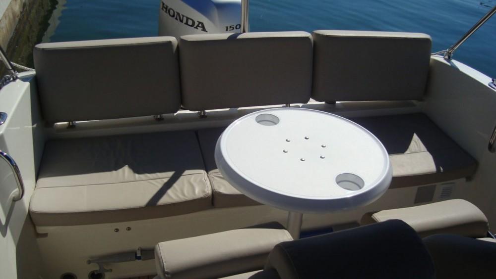 Motorboot mieten in Tribunj zum besten Preis