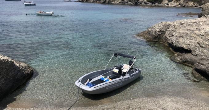 Motorboot mieten in Six-Fours-les-Plages zum besten Preis