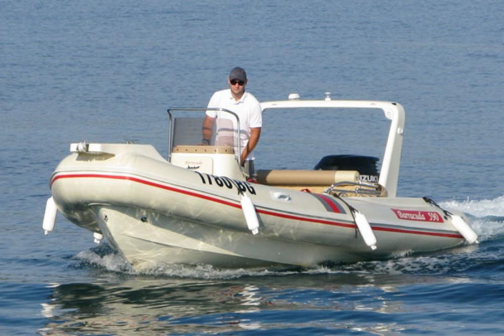 Schlauchboot mieten in Biograd na Moru zum besten Preis