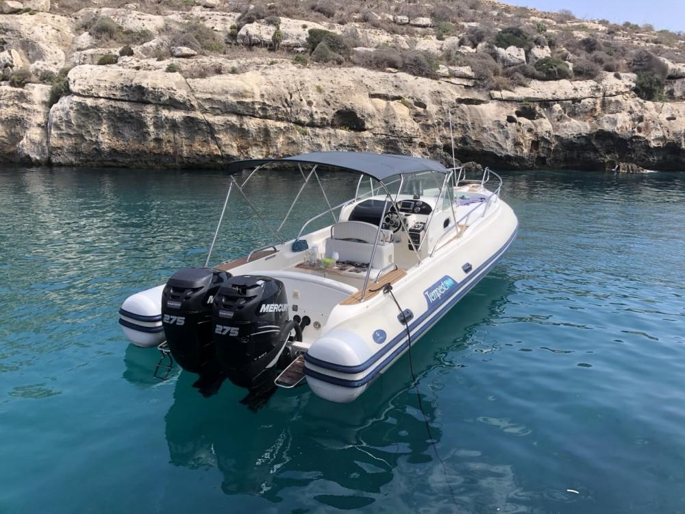 Ein Capelli tempest 870 mieten in Valletta