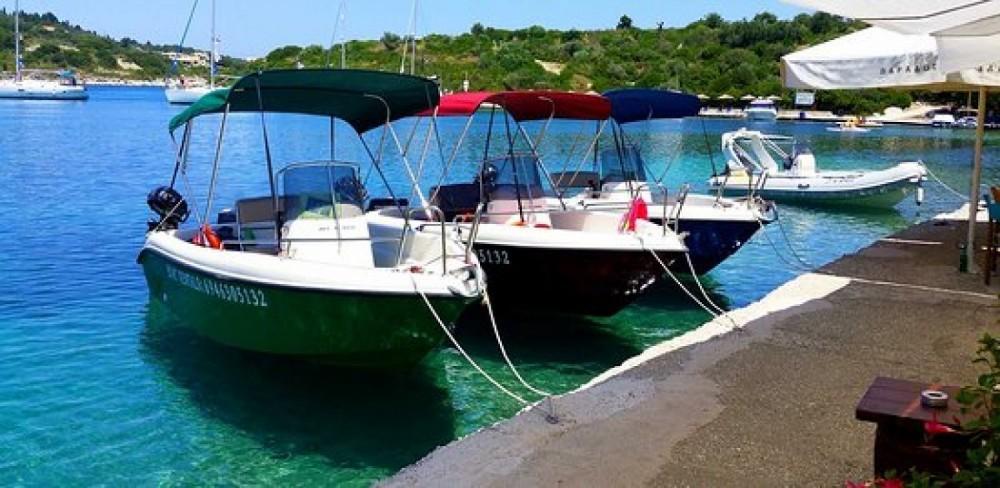 Poseidon Bluewater 480 zwischen Privatpersonen und professionellem Anbieter Parga