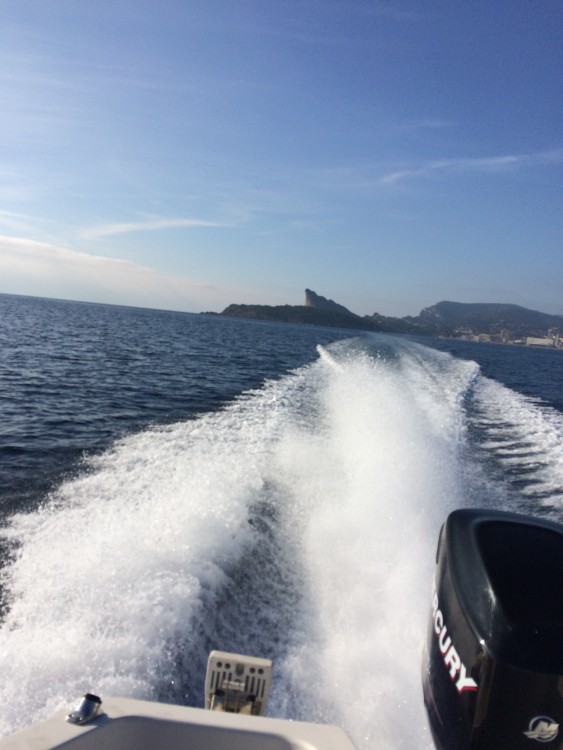 Ein Quicksilver Quicksilver 635 Commander mieten in Cassis