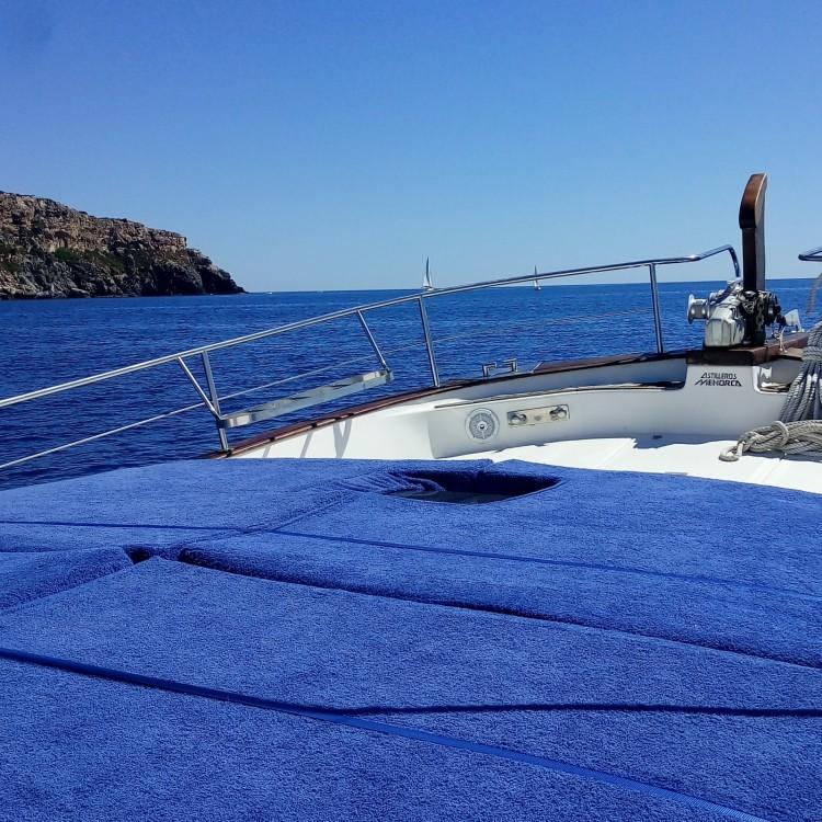 Yachten mit oder ohne Skipper Menorquin Yachts mieten in Maó