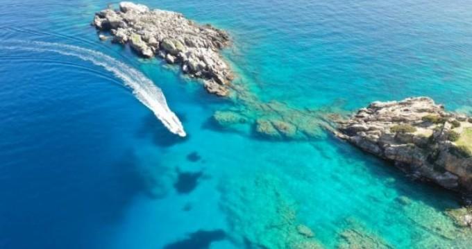 Schlauchboot mieten in Chóra Sfakíon zum besten Preis